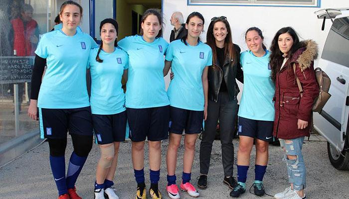 Με τη φανέλα της Εθνικής ομάδας 5 κορίτσια της γυναικείας ομάδας του ... b65b09417d5